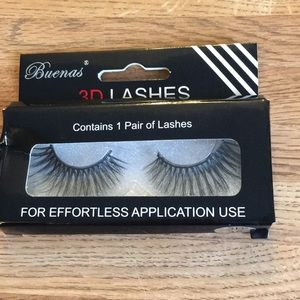 NIB self adhesive false lashes